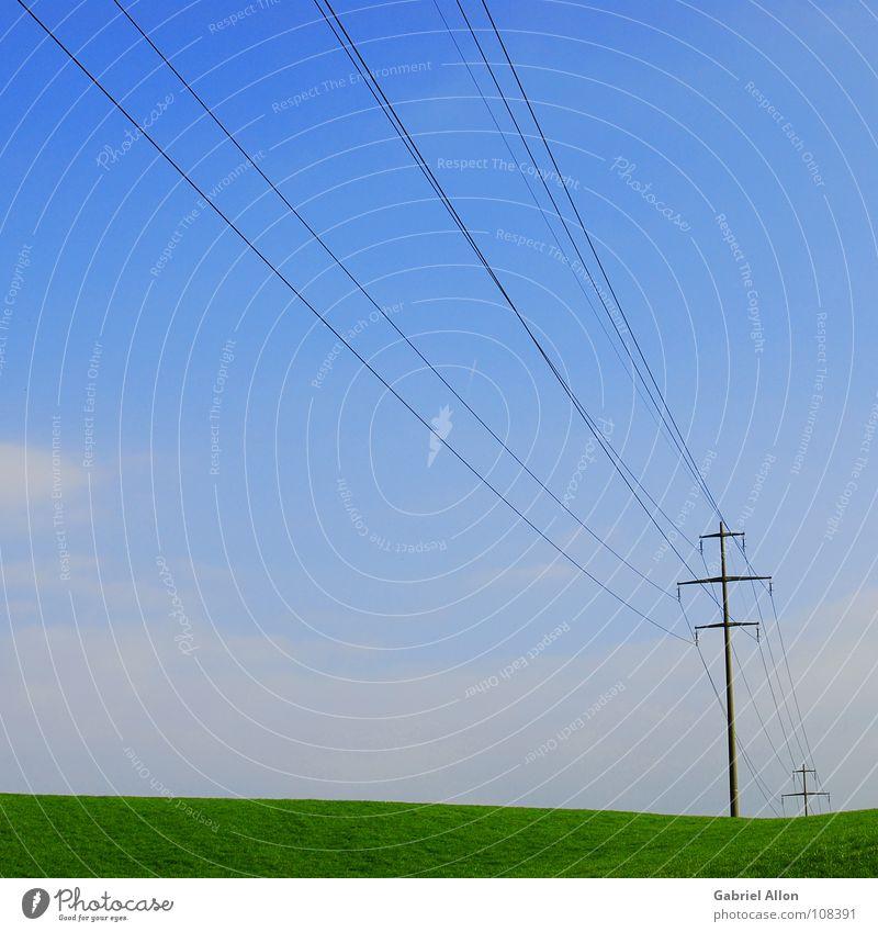 Power Supply Line Strommast Wiese sehr wenige minimalistisch Herbst Schweiz Industrie Kabel Himmel blau