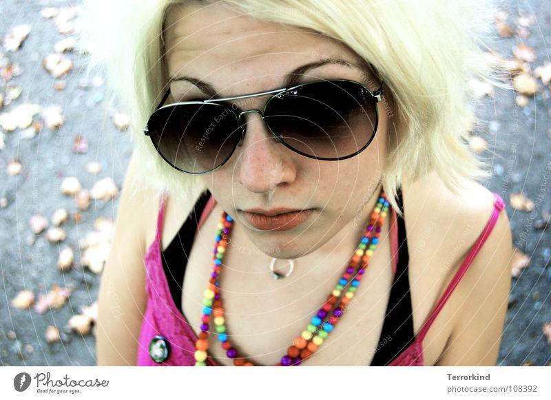 Deine.Gang.trägt.Schuhe.mit.Klettverschluss. Frau Mensch Jugendliche Wasser Baum Blatt schwarz gelb Straße Herbst Haare & Frisuren Kopf Mund Arme rosa Nase