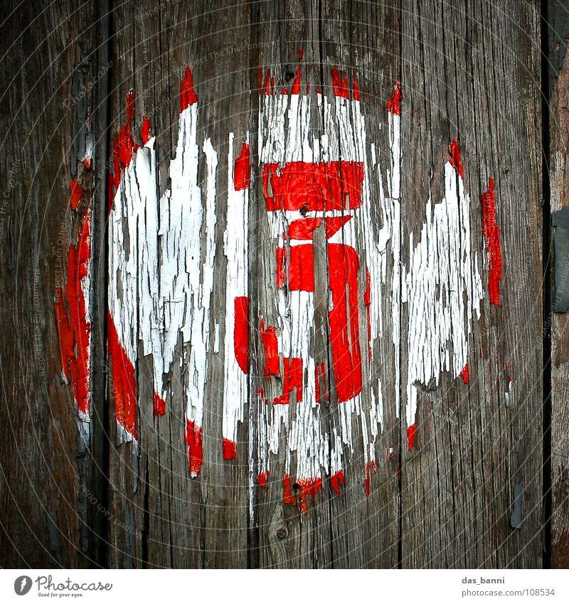 NUMB3R 3 Ziffern & Zahlen Anordnung gebraucht alt verfallen Typographie weiß Holz schwarz rot grau sprühen Mitte Design Splitter Nagel Befestigung frontal