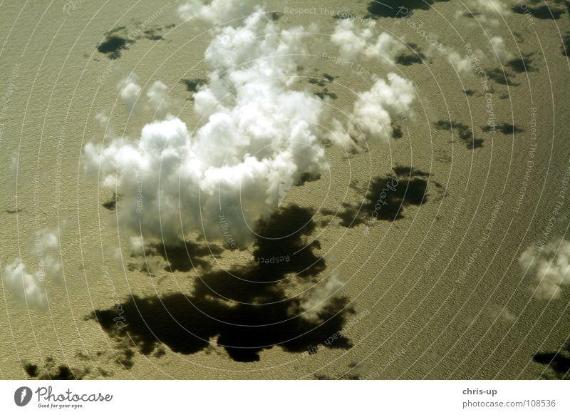 Über den Wolken 3 Himmel Natur blau Wasser weiß Ferien & Urlaub & Reisen Sonne Meer Erholung Luft Horizont Wellen Flugzeug Luftverkehr Niveau