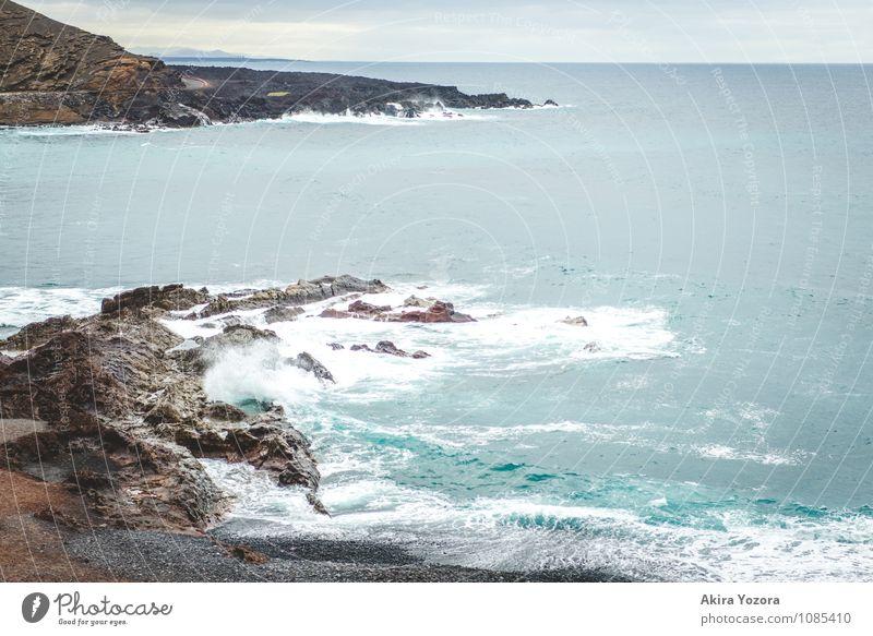 Crushing waves Ferien & Urlaub & Reisen Tourismus Meer Landschaft Sand Wasser Himmel Wolken Horizont Klima schlechtes Wetter Wind Vulkan Wellen Küste Strand