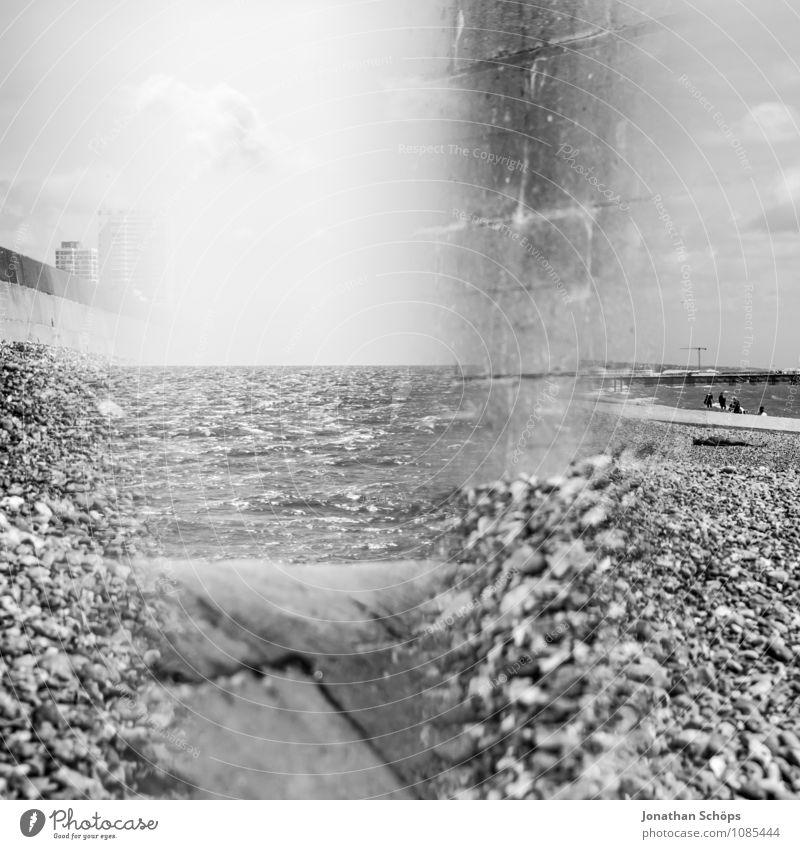 Brighton VI Natur Ferien & Urlaub & Reisen Wasser Sonne Meer Landschaft Strand Umwelt Schwimmen & Baden außergewöhnlich Stein Horizont ästhetisch Schönes Wetter Quadrat Doppelbelichtung