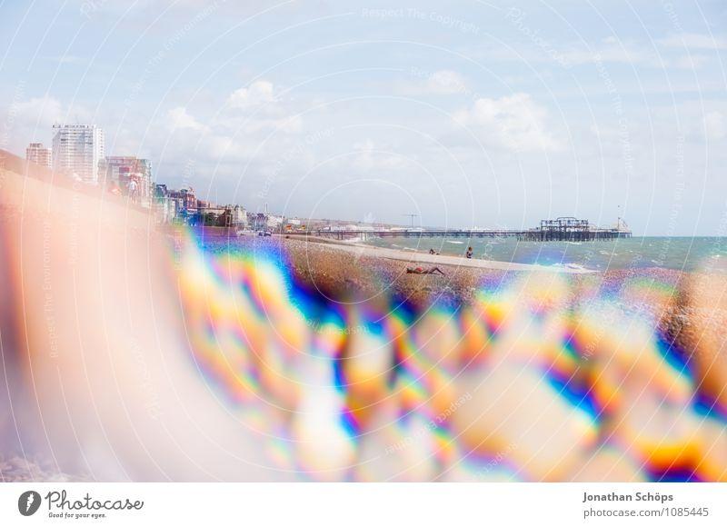Brighton VII Schönes Wetter ästhetisch England Strand Steinstrand Reflexion & Spiegelung Prisma abstrakt Experiment Badeort Urlaubsort Ferien & Urlaub & Reisen