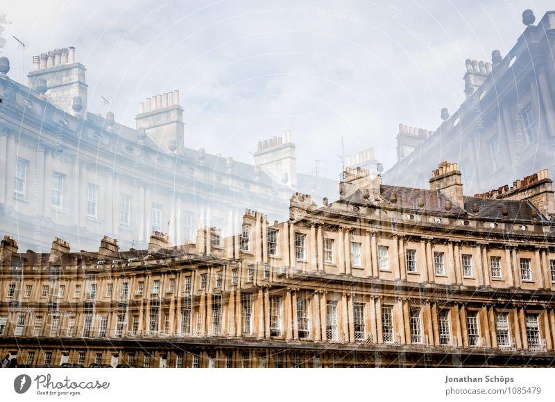 britische Bögen Bath Stadt Altstadt Bauwerk Gebäude Architektur Fassade Sehenswürdigkeit ästhetisch aufwärts England Großbritannien historisch Fenster Wohnhaus