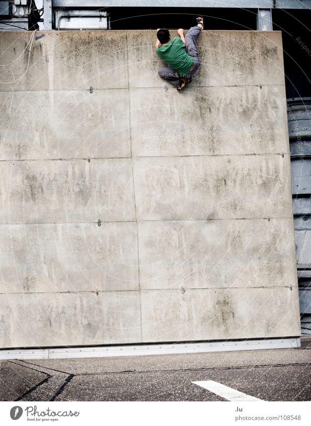 _ Software-Boulder Sport Wand Mauer Industrie gefährlich Niveau Fabrik bedrohlich Klettern fallen festhalten Dynamik Turnen tief Sturz aufwärts