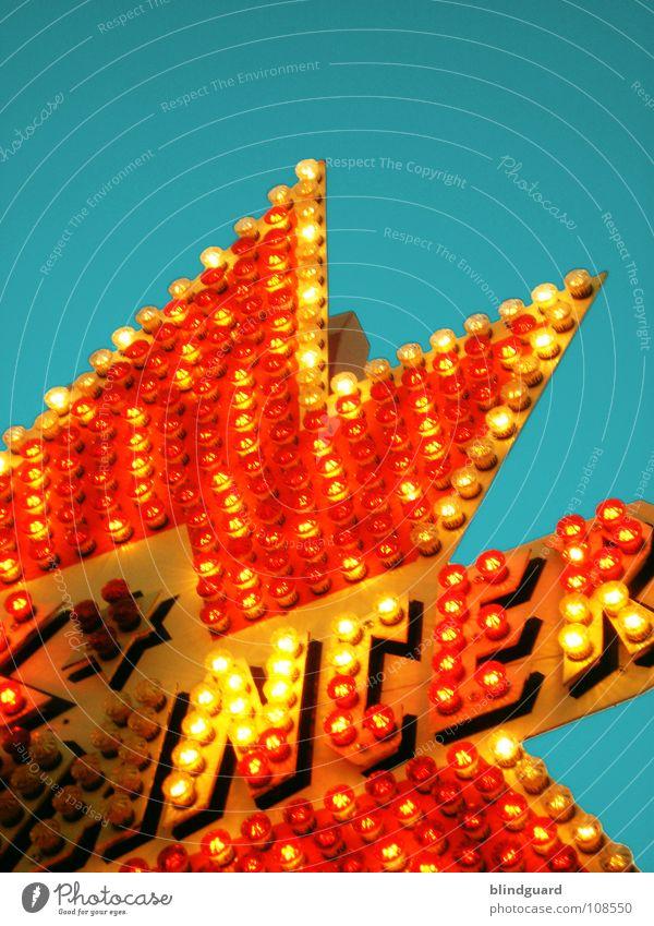 4 hundert ... lichter Himmel rot Freude gelb Lampe Spielen hell Beleuchtung Stern (Symbol) Energiewirtschaft Elektrizität Technik & Technologie Freizeit & Hobby Werbung Jahrmarkt Glühbirne