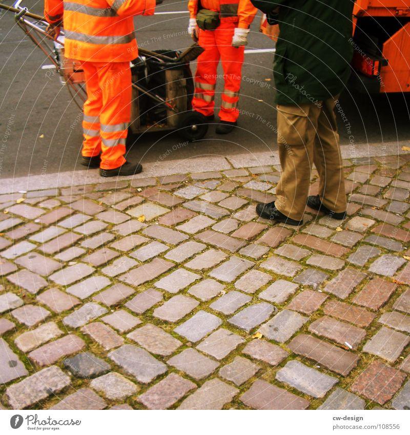 we kehr for you vs. we care for you Mensch Mann Stadt grün Ferien & Urlaub & Reisen Straße Herbst kalt sprechen Wärme Wege & Pfade Stein Beine lustig Freundschaft Fuß