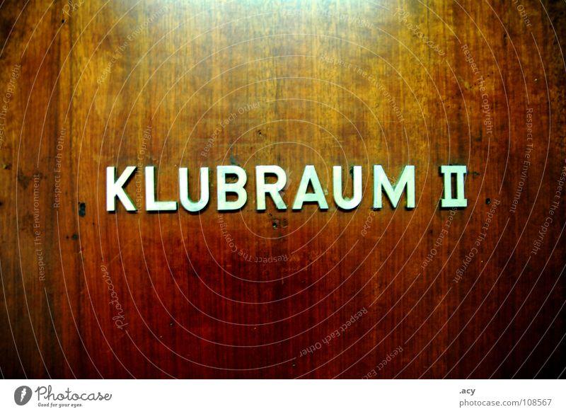 OST klubraum 2 Ostalgie Blockschrift Club Holz Osten Sozialismus Typographie Schriftzeichen Detailaufnahme DDR Tür Deutschland