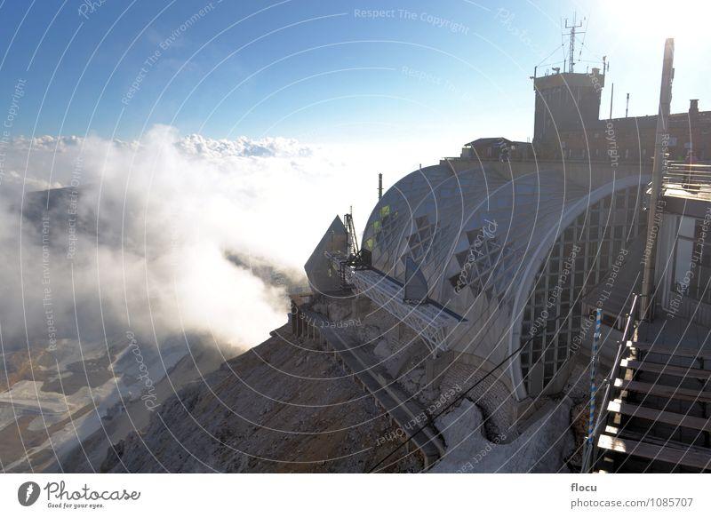 Zugspitze, höchster Berg in Deutschland Ferien & Urlaub & Reisen Sommer Schnee Berge u. Gebirge wandern Klettern Bergsteigen Natur Landschaft Horizont Wetter
