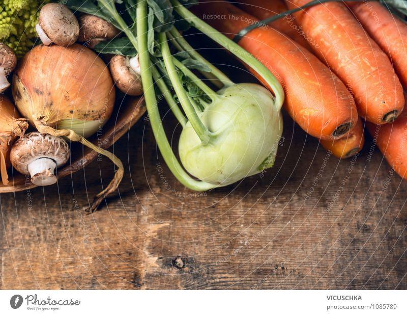 Kohlrabi und Gemüse auf Holztisch Natur Sommer Haus Gesunde Ernährung Leben Herbst Stil Hintergrundbild Garten Lebensmittel Lifestyle Design Ernte Bioprodukte