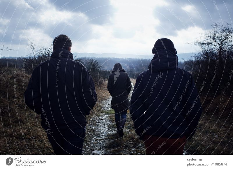 Vorausgehend Ausflug Ferne wandern Mensch Freundschaft Leben 3 Umwelt Natur Landschaft Wolken Winter schlechtes Wetter Eis Frost Wege & Pfade Bewegung