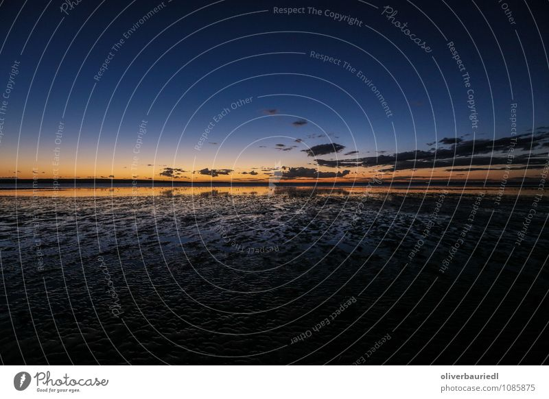 Sonnenuntergang am Meer Ferne Sommer Umwelt Natur Landschaft Wasser Himmel Wolken Sonnenaufgang Schönes Wetter Küste Erholung Küssen lachen leuchten träumen