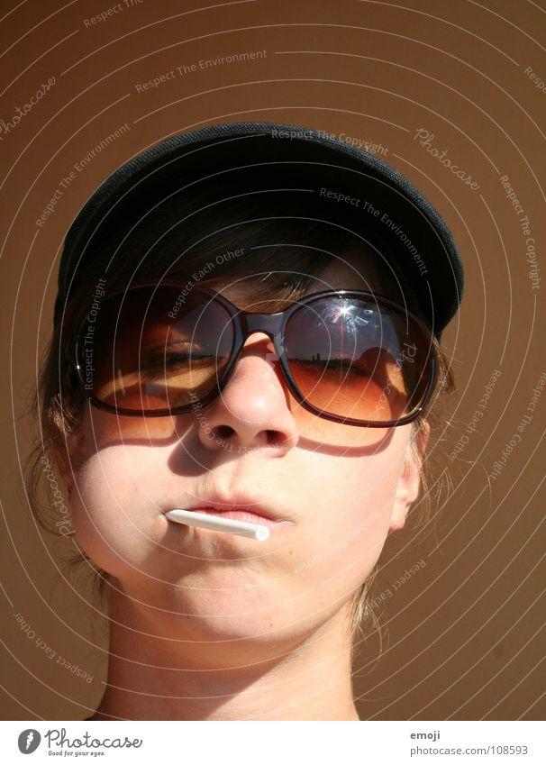 Schlecksommer Frau Jugendliche Sommer Sonne Freude Gesicht feminin lustig Ernährung süß Brille Süßwaren Sonnenbrille Lollipop XXL Pornobrille