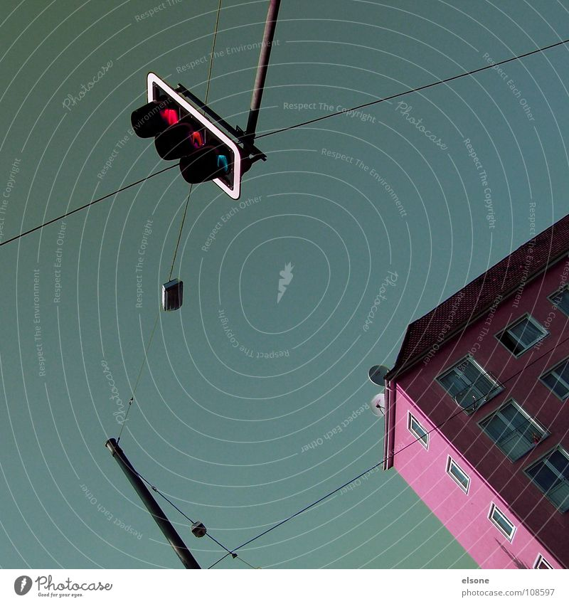::KIRSCH-GRÜN:: Haus Gebäude Leben rosa Schwein flippig Misserfolg Top grün grau Fenster Dach Elektrizität Ampel Licht Sommer einfach fein sehr wenige rot gelb