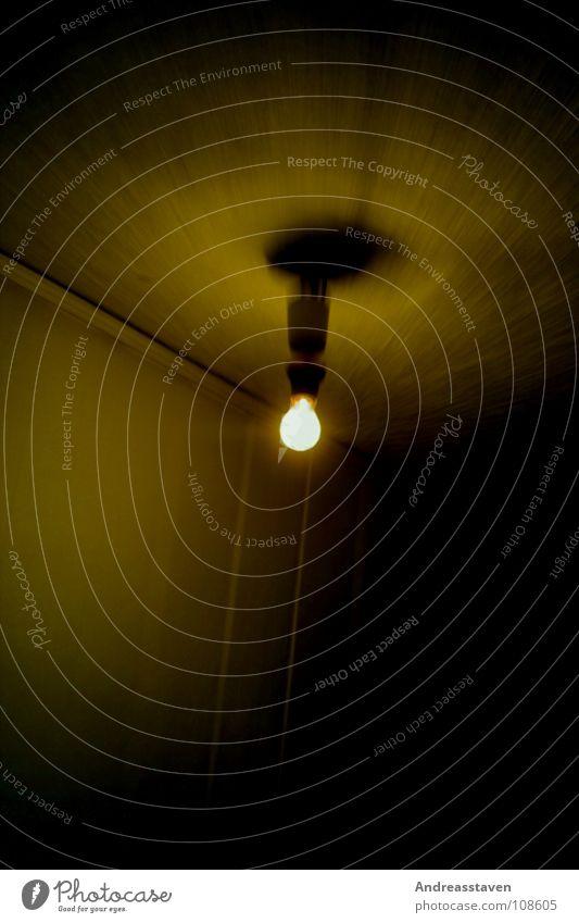 Lampe weiß schwarz gelb Angst Tunnel Panik Glühbirne