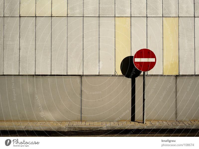 Einfahrt verboten Wand Straßenverkehr Verkehr Fassade Ende Bürgersteig Verkehrswege Verbote Halt Hannover Hoffnungslosigkeit Straßennamenschild gesperrt Streik
