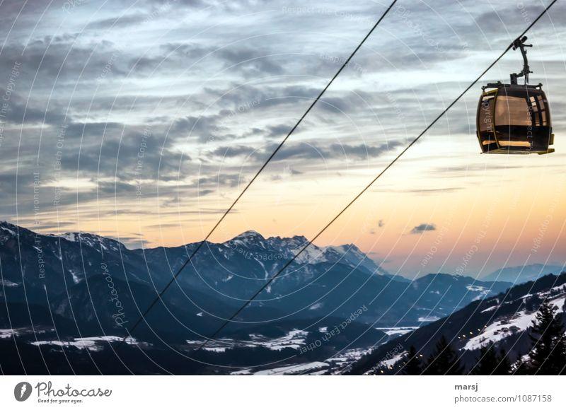 Leerfahrt Ferien & Urlaub & Reisen Tourismus Ausflug Winter Schnee Winterurlaub Berge u. Gebirge wandern Natur Landschaft Himmel Wolken Schönes Wetter Alpen