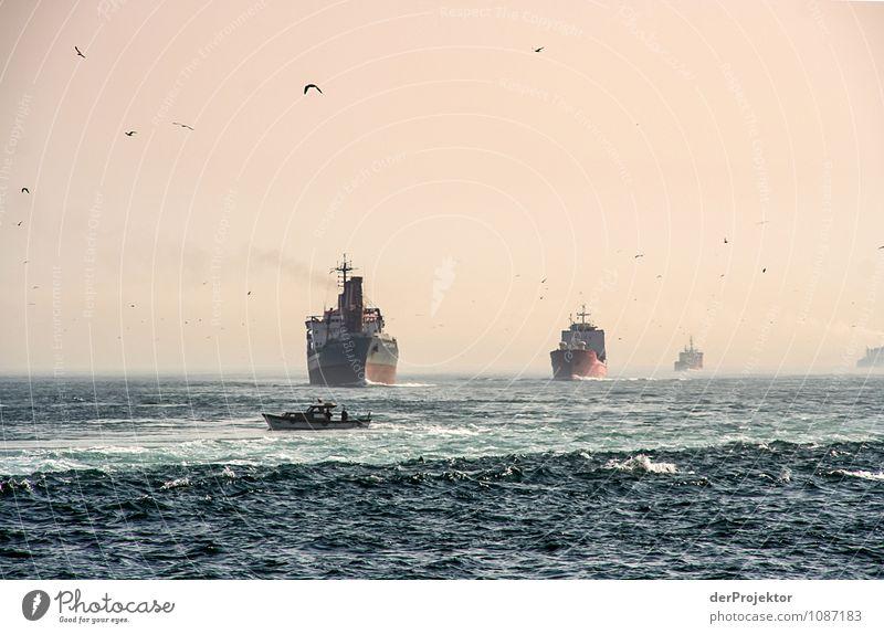 Platz da, jetzt kommt *750* Umwelt Natur Landschaft Winter Wellen Meer Verkehr Verkehrsmittel Verkehrswege Güterverkehr & Logistik Schifffahrt Containerschiff