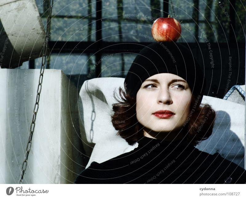 All about Eve IV Herbst Jahreszeiten Frau Industriegelände schön Beautyfotografie Porträt entdecken Ernährung Symbole & Metaphern Versuch geheimnisvoll