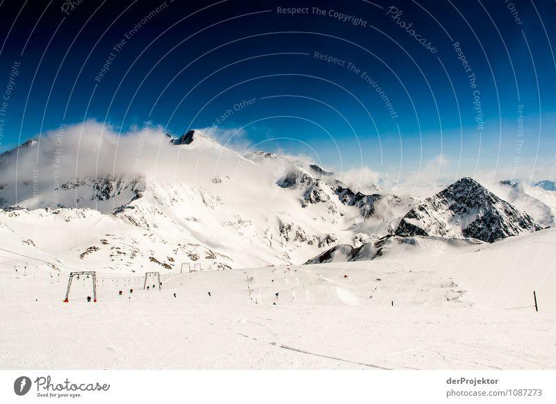 Eine letzte Abfahrt Natur Ferien & Urlaub & Reisen Pflanze Landschaft Ferne Winter Berge u. Gebirge Umwelt Schnee Freiheit Felsen Tourismus groß Ausflug
