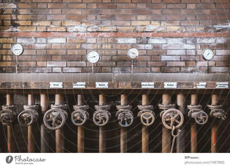 druckregulierer Röhren Eisenrohr Rost stellräder Druckanzeige Wasserdampf Messinstrument Thermometer Energiewirtschaft Erneuerbare Energie Industrie