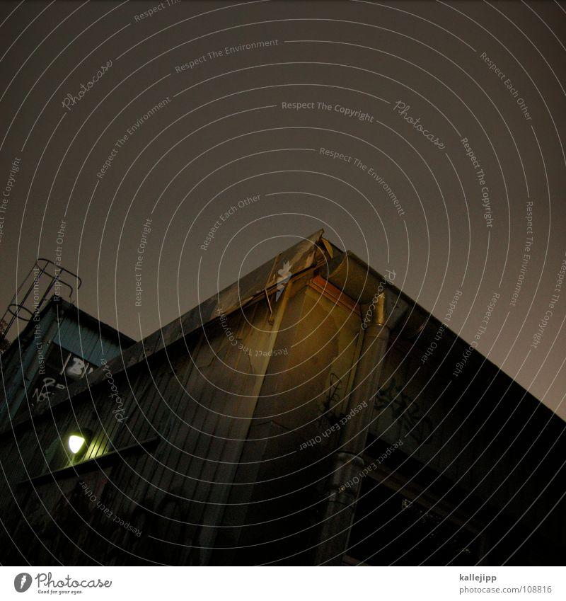 brown sugar Lagerhalle Kunstlicht Physik braun Licht verfallen Feuerleiter Fenster Lampe Architektur taschenlampenlicht Wärme Himmel alt fluchtleiter