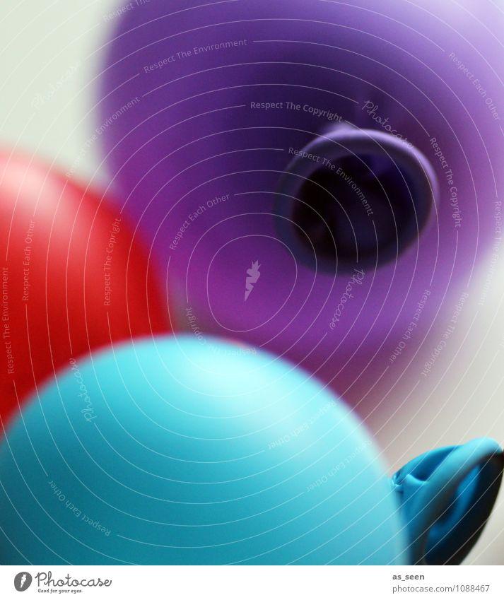 air & colour Farbe rot Freude Leben Stil Spielen Lifestyle Feste & Feiern Mode Design liegen Freizeit & Hobby leuchten Geburtstag Kindheit ästhetisch