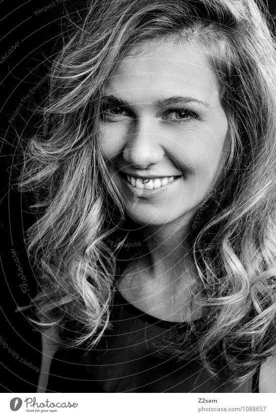 Anna Jugendliche schön Junge Frau 18-30 Jahre Erwachsene natürlich feminin Stil Glück lachen Lifestyle elegant blond Fröhlichkeit Lächeln Lebensfreude