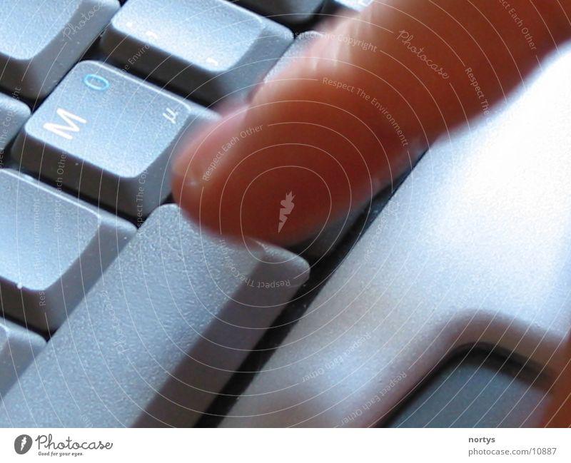Finger Notebook Nahaufnahme Elektrisches Gerät Technik & Technologie Tastatur