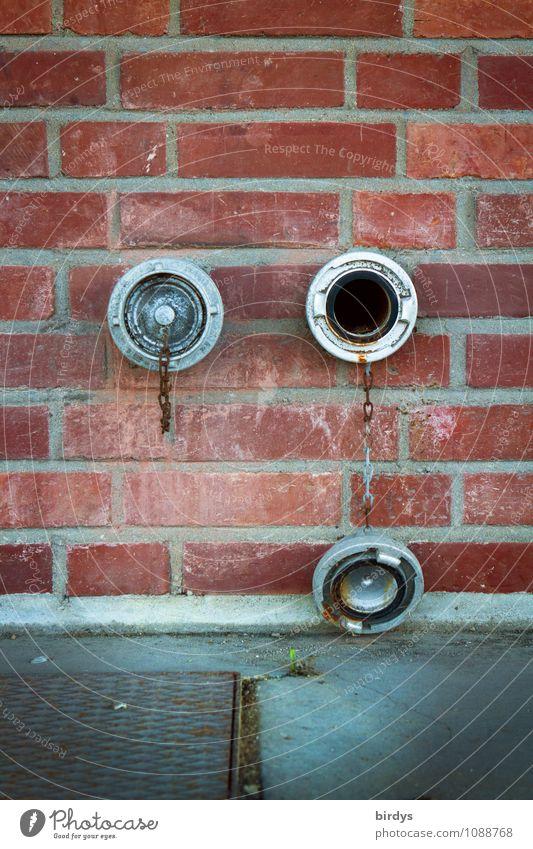 Monokel Mauer Wand Verschlussdeckel Anschluss Muffe Öffnung Metall Backstein hängen authentisch Originalität offen geschlossen 2 Backsteinwand Auge