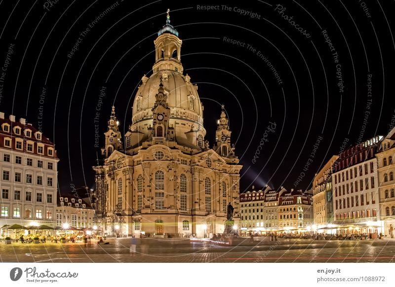 Neubau Ferien & Urlaub & Reisen Tourismus Ausflug Sightseeing Städtereise Dresden Stadt Stadtzentrum Altstadt bevölkert Haus Kirche Platz Bauwerk Gebäude