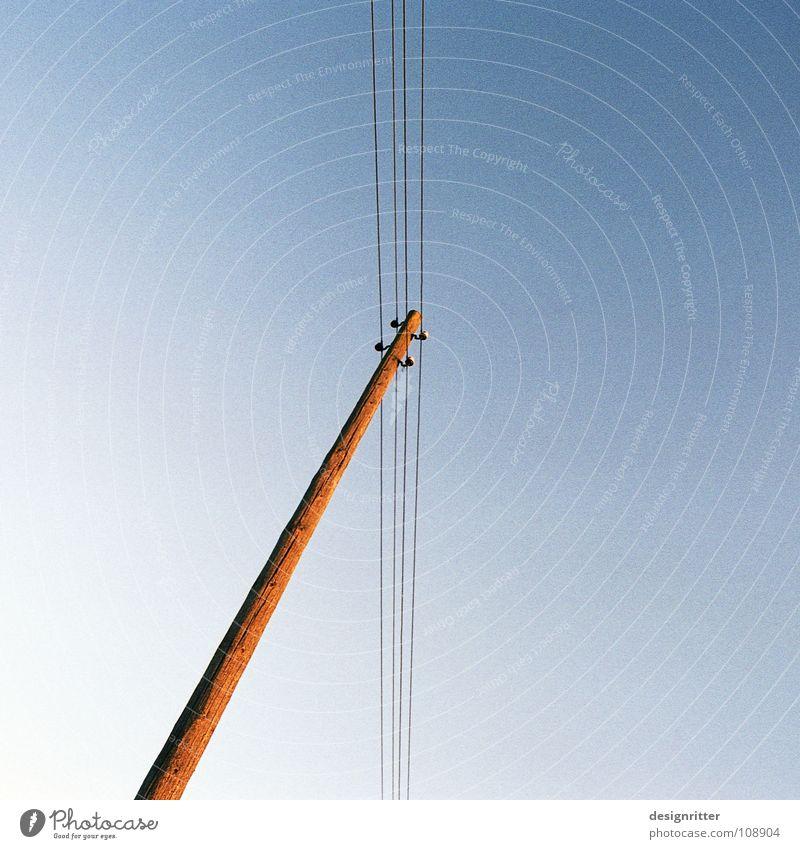 Gebet Himmel oben Erde Kommunizieren Verbindung unten Top Gott vertikal Telefonmast verbinden Götter Telefonleitung