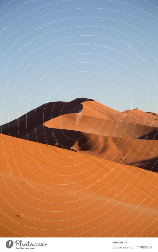 kurvig. Himmel Natur Ferien & Urlaub & Reisen Sommer Sonne Landschaft Ferne Freiheit Linie Sand Wetter Erde Tourismus Streifen Schönes Wetter Wüste