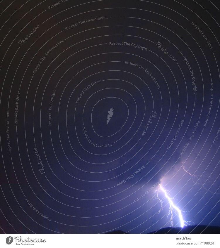 Thunderstrike Blitze Wolken violett Licht Gefäße Gewitter thunder thunderstrike blue hill storm blau hell light