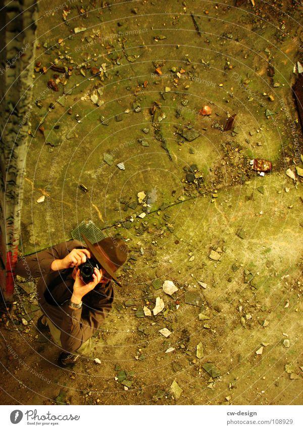 [SAFARI] - DRAUFSICHT Mensch Mann Ferien & Urlaub & Reisen Baum Einsamkeit Wolken dunkel Wiese Gras Stein Traurigkeit Horizont Felsen Feld sitzen maskulin