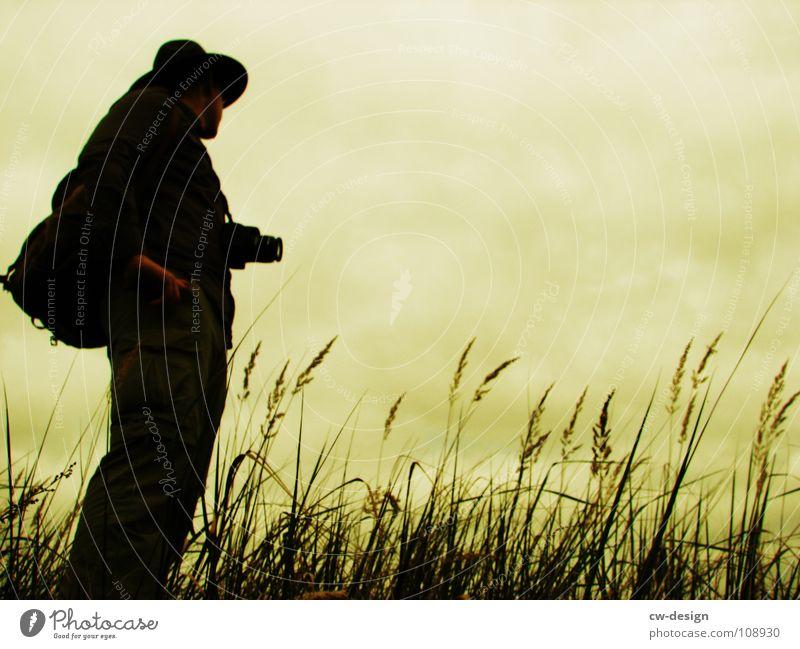 [SAFARI] - AUSSICHT Mensch Mann Ferien & Urlaub & Reisen Baum Einsamkeit Wolken dunkel Wiese Gras Stein Traurigkeit Horizont Felsen Feld maskulin Abenteuer