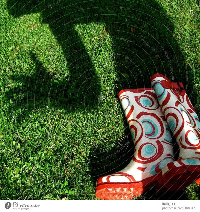 schattenverabschiedung Kind Wasser Sonne Spielen Garten gehen Arbeit & Erwerbstätigkeit träumen liegen wandern laufen nass Rasen Vergangenheit fahren Frieden