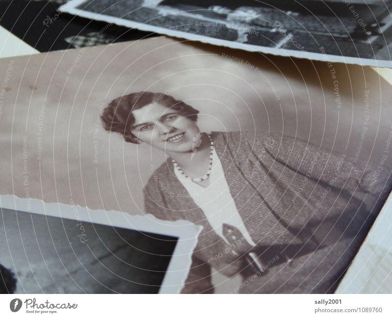 The Roaring Twenties... Mensch Jugendliche alt schön Junge Frau 18-30 Jahre Erwachsene feminin natürlich Mode modern authentisch Fotografie Freundlichkeit