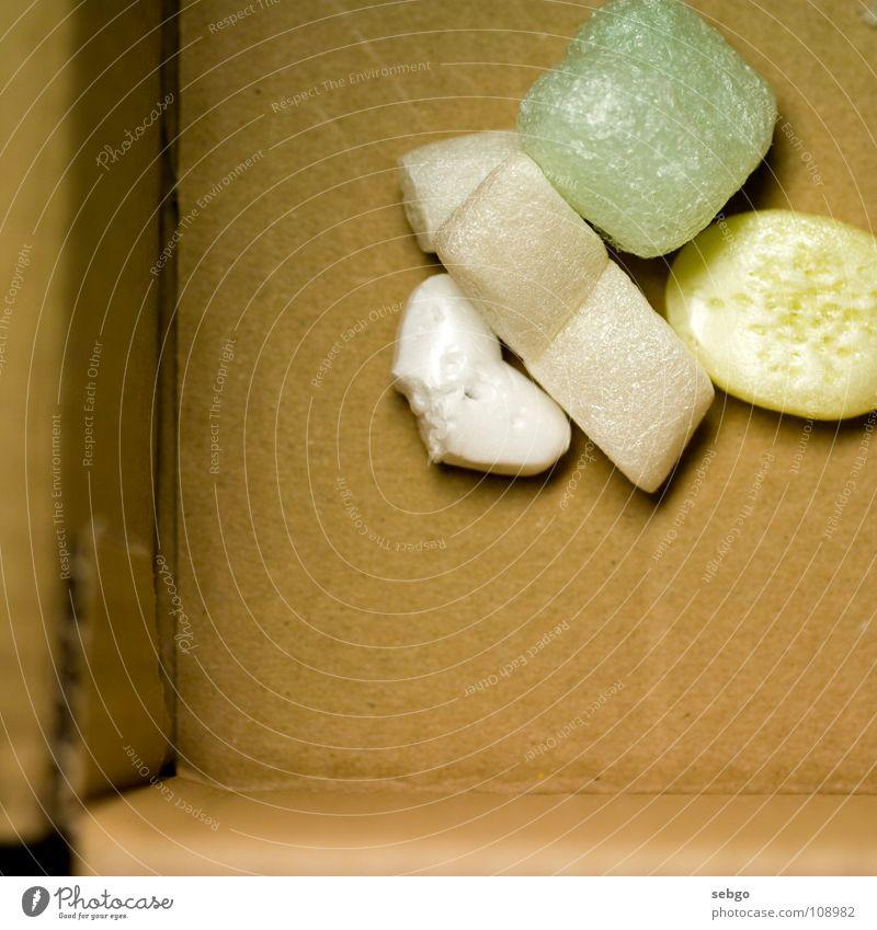 Gut verpackt! Verpackung Verpackungsmaterial einpacken Polster Styropor weiß gelb türkis Karton Versand Schutz Polystyrol Paket