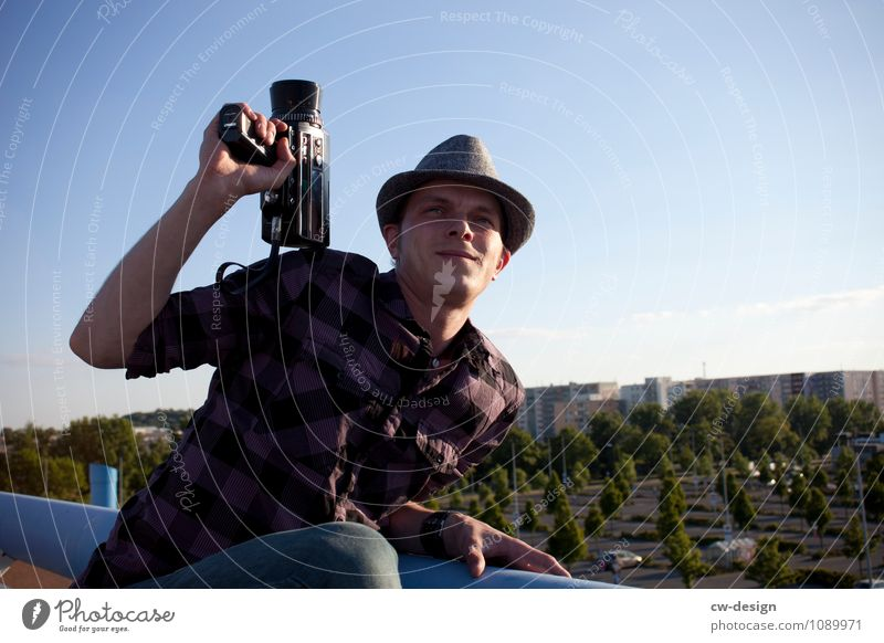 Der Kameramann Mensch Jugendliche Mann Junger Mann 18-30 Jahre Erwachsene Leben Kunst Arbeit & Erwerbstätigkeit maskulin Business Erfolg Kreativität