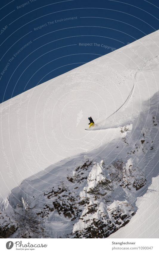 Cliffspry Sport Mensch 1 Umwelt Natur Himmel Wolkenloser Himmel Winter Schönes Wetter Schnee Felsen Alpen Berge u. Gebirge Gipfel Bewegung sportlich natürlich