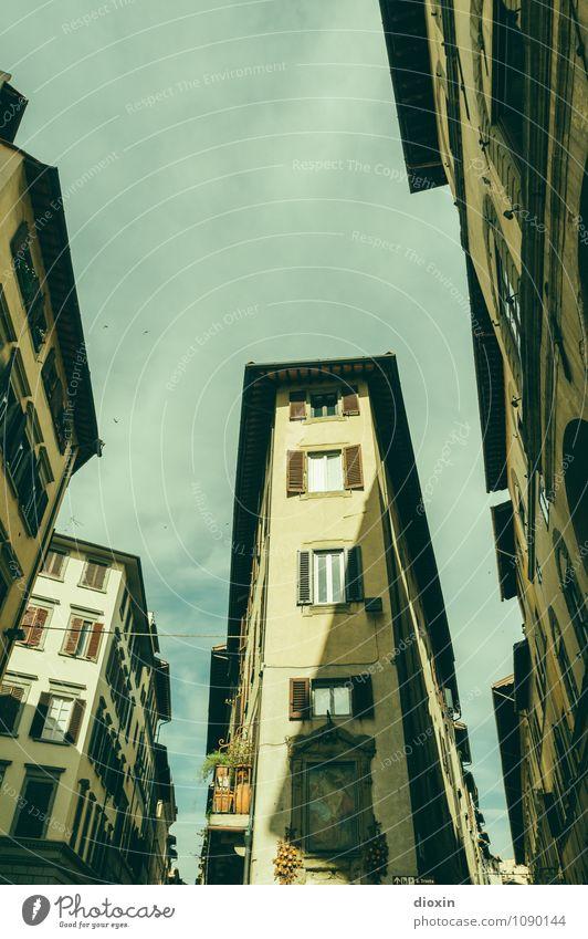 Firenze Ferien & Urlaub & Reisen Tourismus Sightseeing Städtereise Sommer Sommerurlaub Florenz Italien Toskana Stadt Stadtzentrum Altstadt Menschenleer Haus