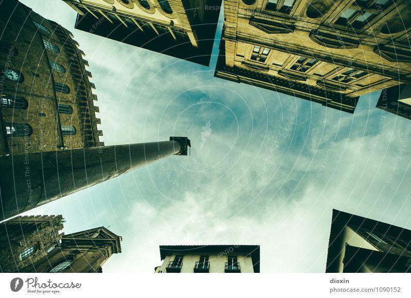 Der Himmel über Florenz Ferien & Urlaub & Reisen Stadt alt Haus Wand Architektur Gebäude Mauer Fassade Tourismus authentisch hoch Platz Italien Bauwerk Fernweh