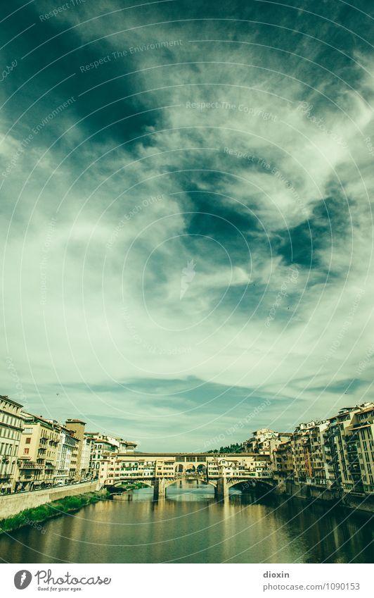 Ponte Vecchio [2] Himmel Ferien & Urlaub & Reisen Stadt alt Sommer Wolken Haus Tourismus authentisch Brücke Italien historisch Fluss Bauwerk Flussufer Fernweh