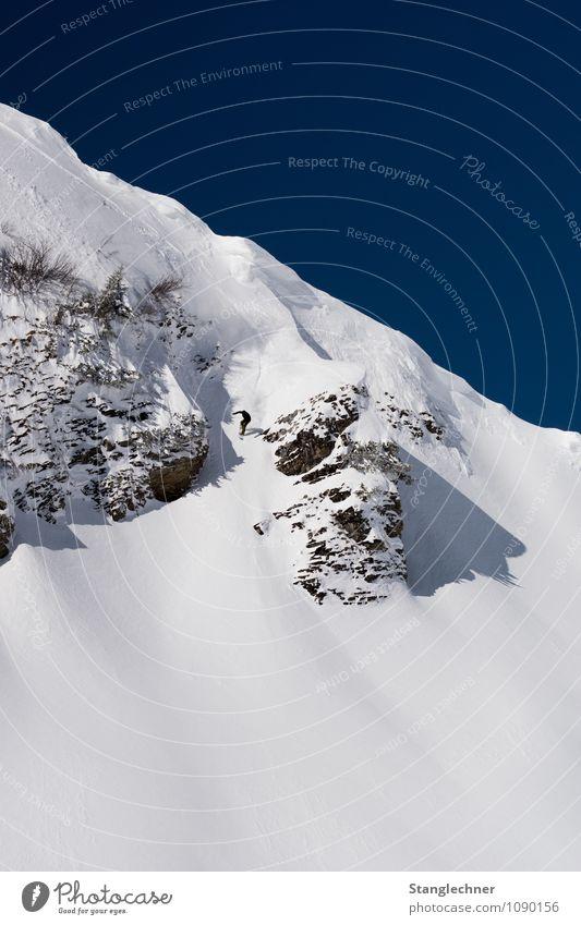 Down Mensch Ferien & Urlaub & Reisen blau weiß Berge u. Gebirge Leben Sport Lifestyle Felsen Abenteuer Gipfel Alpen Schneebedeckte Gipfel sportlich stark Mut