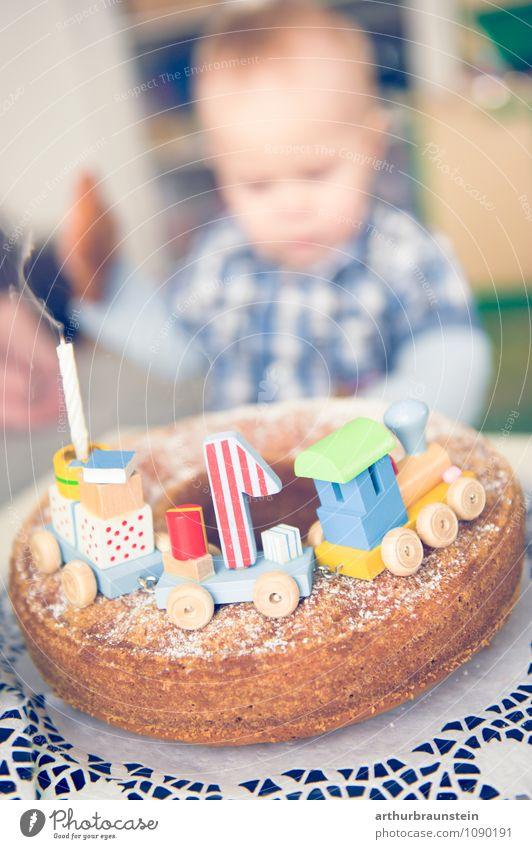 ErsterGeburtstag Mensch Freude Haus Leben Junge Essen Glück Feste & Feiern Familie & Verwandtschaft maskulin Geburtstag authentisch Kindheit Fröhlichkeit Baby Hemd