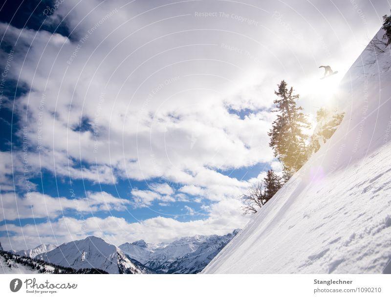 in the Sun Sport Wintersport Sportler Tiefschnee Skipiste Umwelt Natur Himmel Sonne Sonnenlicht Klima Schönes Wetter Schnee Baum Felsen Alpen Berge u. Gebirge