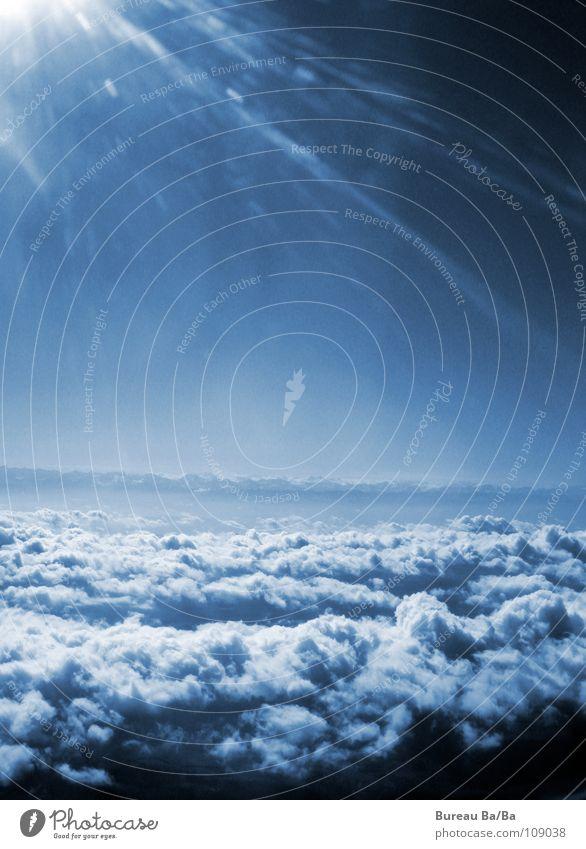 Zwischen Himmel und Hölle 2 Sonne blau Wolken Freiheit orange Flugzeug fliegen Luftverkehr Unendlichkeit
