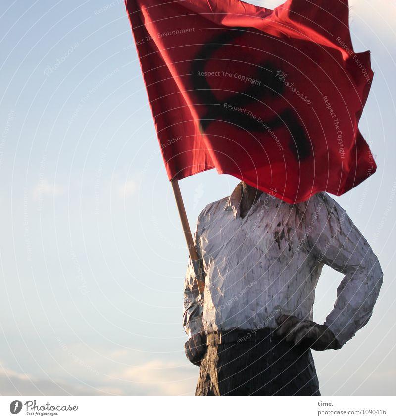 Wetter | büschen windig maskulin Mann Erwachsene Körper 1 Mensch Kunst Künstler Ausstellung Kunstwerk Skulptur Himmel Fahne Holz stehen Design Konzentration