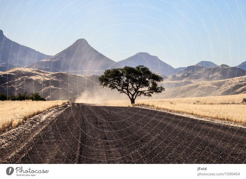 Damaraland Ferien & Urlaub & Reisen Abenteuer Ferne Safari Sommer Natur Landschaft Berge u. Gebirge Namibia Afrika Menschenleer Autofahren Straße Erholung Blick
